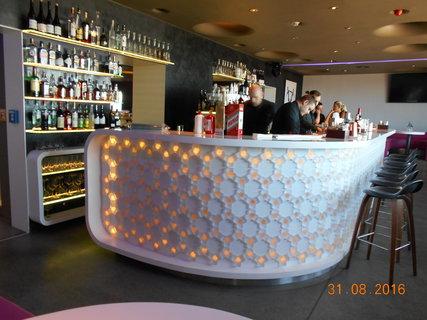 FOTKA - Bar ve výšce 60 metrů