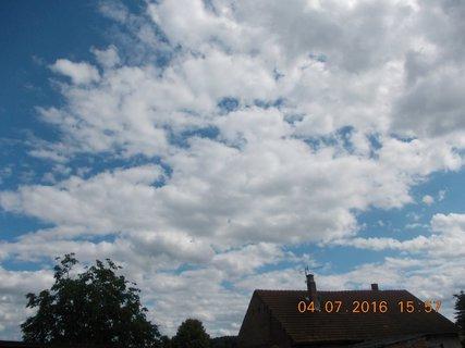 FOTKA - červencové nebe