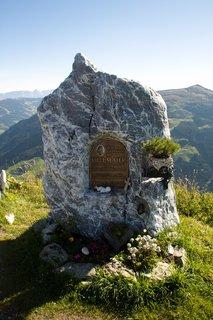 FOTKA - Zwölferkogel - Pomník Ulli Maier