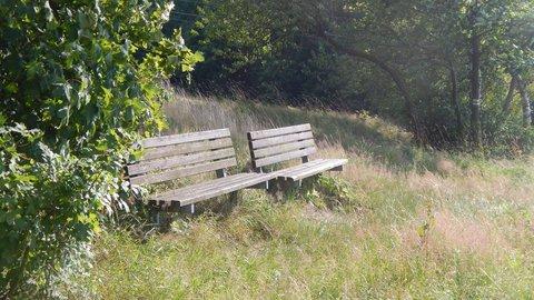 FOTKA - opuštěné lavičky