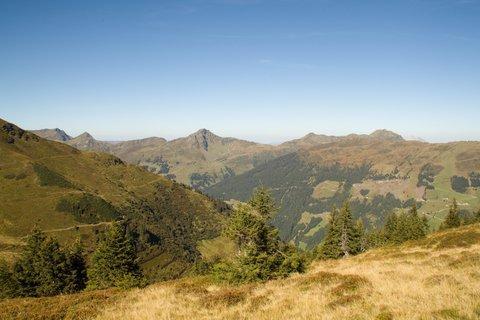 FOTKA - Zwölferkogel - Okolní kopce