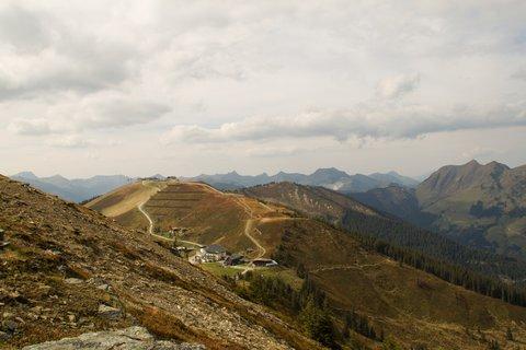 FOTKA - Z Asitz na Geierkogel - Pohled na Schönleitenhütte