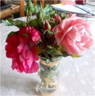 FOTKA - růže už jen doma ve váze