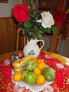 FOTKA - hezké zátiší sousedky na stole