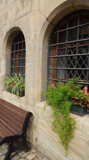 FOTKA - květinová výzdoba oken
