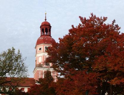 FOTKA - Věž zámku - barvám se nedá odolat