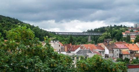 FOTKA - Dálniční most nad městem