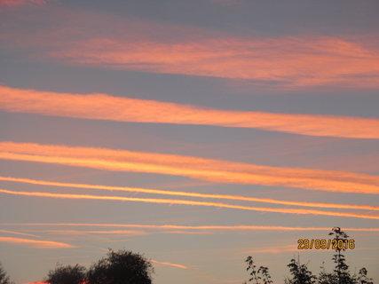 FOTKA - Pruhy na obloze