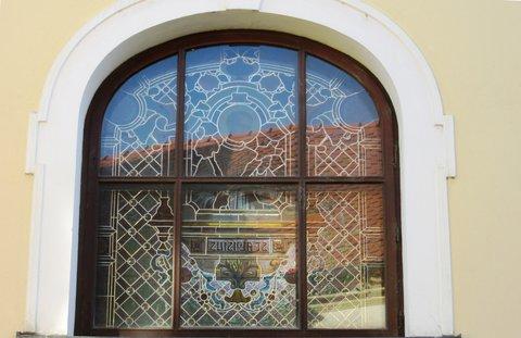 FOTKA - kostelní okno v N. Jičíně