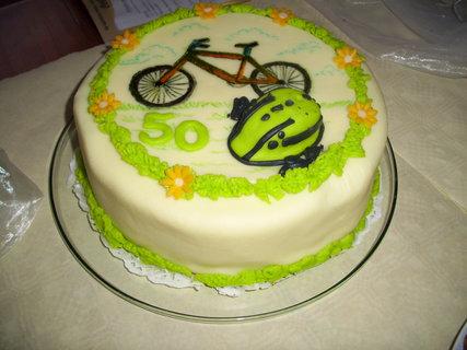 FOTKA - Syn dostal dort