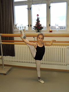 FOTKA -  ukázková hodina v baletní škole,