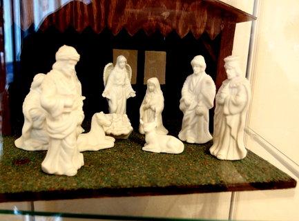 FOTKA - Betlém - krásné porcelánové figurky (za sklem)
