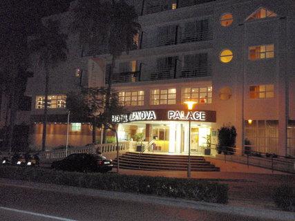 FOTKA - hotel večer