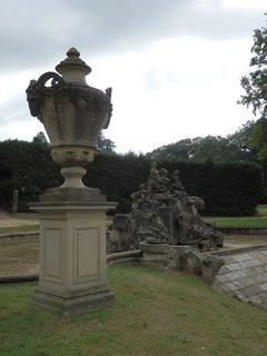 FOTKA - sochy - Fasanenschlösschen - Bažantí zámeček (u Moritzburgu) Architektem byl Johann Daniel Schade.