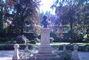 Pomn�k v parku