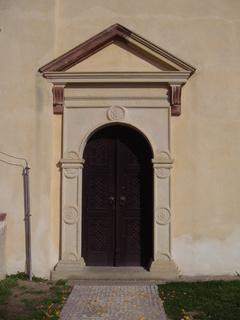 FOTKA - Kostelec nad Černými Lesy, portal kostela