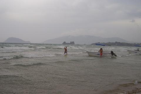 FOTKA - bouřka-stahují lodě z moře