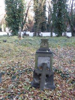 FOTKA - zajímavá zákoutí metropole : Malostranský hřbitov