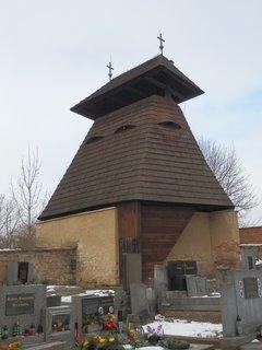 FOTKA - snad nikde jinde nenajdeme na malém prostoru tolik zvoniček jako na Slánsku. Ta nejstarší je v Kvílicích