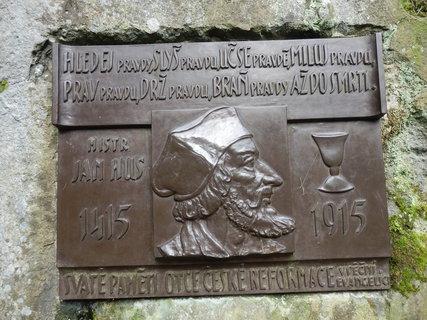 FOTKA - Husův kámen u Senohrab
