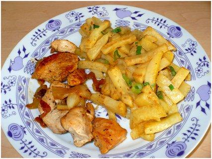 FOTKA - Celerové hranolky, dušená kuřecí prsa