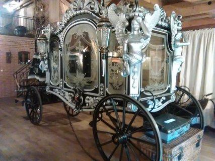 FOTKA - pohřební kočár