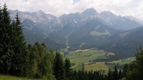 FOTKA - Procházka na Grammlergut -   Dole je Maria Alm