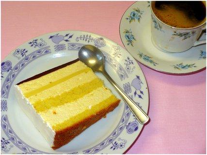 FOTKA - Pruhovaný dort s vaječným likérem