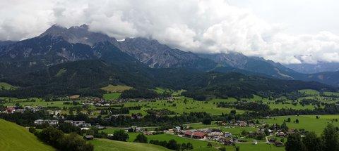 FOTKA - Jezero Ritzensee a vyhlídka Kühbühel - Nad horami zataženo