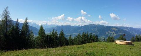 FOTKA - Výšlap na Steinalm - Panorama s lavičkou