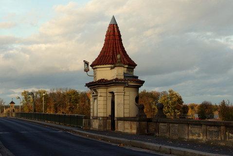FOTKA - Na mostě - tady s vybíralo mýto
