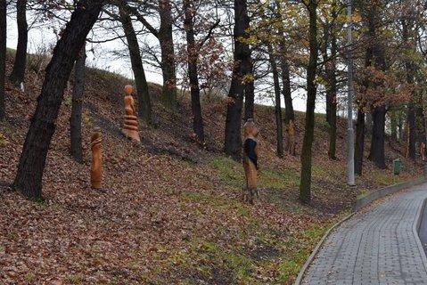 FOTKA - Sochy ze dřeva- Březno