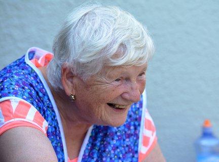 FOTKA - Kouzelná babička-deviti násobná prababička