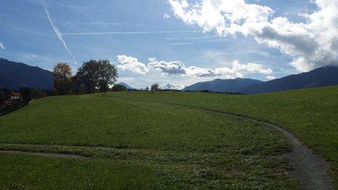 FOTKA - Hezký podzimní den na Ritzensee - Ještě zelená louka