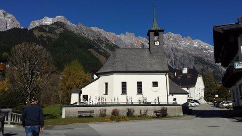FOTKA - Podzimní procházka k Triefen - Kostel v Hinterthalu