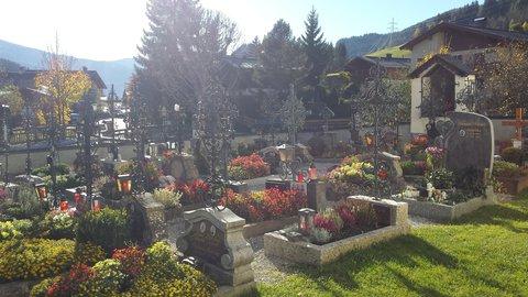 FOTKA - Podzimní procházka k Triefen - Hřbitov v Hinterthalu