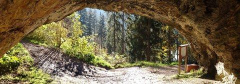 FOTKA - Podzimní procházka na Steinalm - Pohled z jeskyně