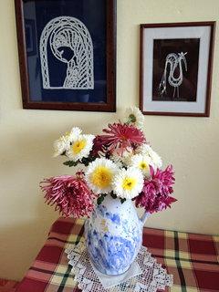 FOTKA - poslední květiny ze zahrádky se ještě chlubí ve váze