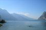 Sama v jezeru..