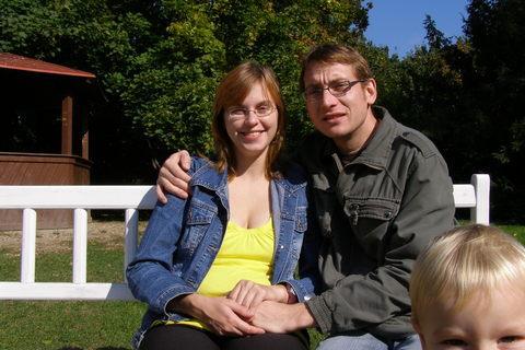 FOTKA - Maminka se chtěla fotit sama s tatínkem,stejně jsem se jim tam vecpal...