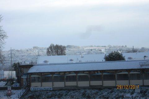 FOTKA - 29.prosince přístaviště u Baťova kanálu-restaurace