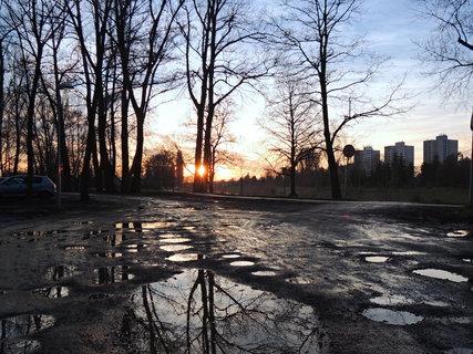 FOTKA - letošní zima se  spoustou kaluží a rozmarném počasí
