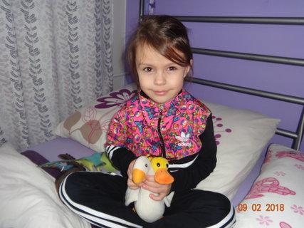 FOTKA - Sarinka s plysovymi kamarady