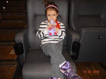 FOTKA - Sárinka v kině