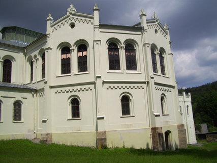 FOTKA - Budova z boku