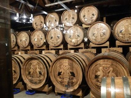 FOTKA - Aj v takýchto sudoch sa whisky skladuje