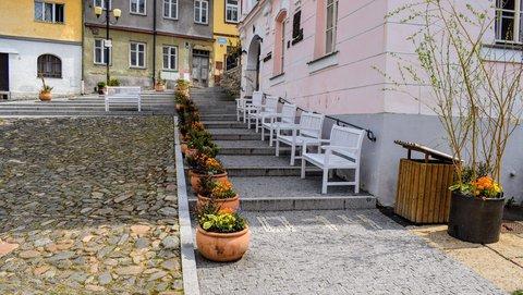 FOTKA - Chodník k úřadu- Bečov nad Teplou