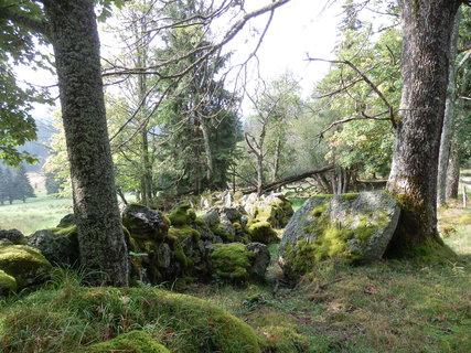 FOTKA - kamenné snosy jsou připomínkou dávno zaniklých osad