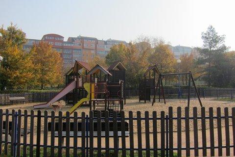 FOTKA - Podzim v parku na sídlišti