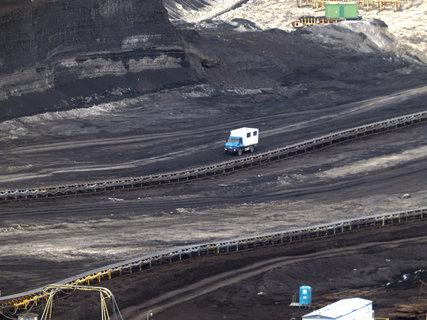FOTKA - Auto v důlní jámě